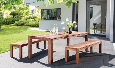Holz-Gartenmöbel