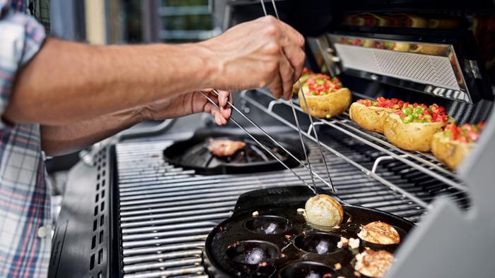 Weber Outdoor Küche Reinigen : Weber grill gasgrill genesis ii lx e gbs black